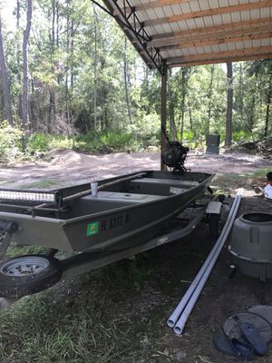 Duck boat/ fishing boat for Sale in Tallahassee, FL