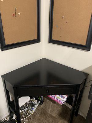 Corner desk withe 2 cork board (black) for Sale in El Cajon, CA