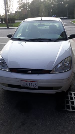2000 Ford Focus it's still driving for Sale in Cuyahoga Heights, OH