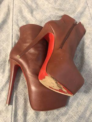 Used Christian Louboutin Daf Booty Heels Size 38.5 for Sale in Atlanta, GA