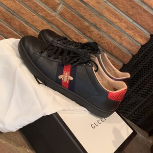 Gucci Ace Sneakers - Black for Sale in Burbank, CA