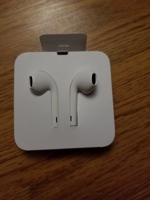 iPhone 11 Earbuds for Sale in Suisun City, CA
