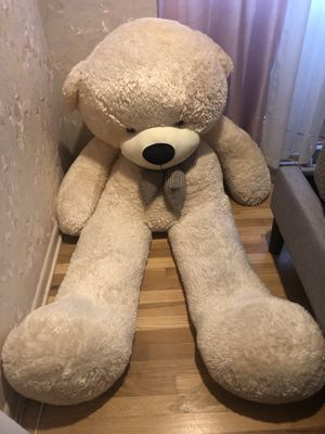 6ft Long Teddy Bear for Sale in Des Plaines, IL