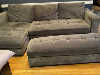 Sofa/couch for Sale in Levittown,  NY