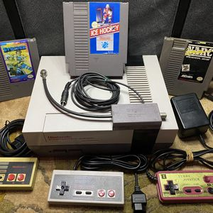 NINTENDO NES BUNDLE for Sale in Pleasanton, CA