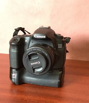 Canon 60D digital camera for Sale in East Los Angeles, CA
