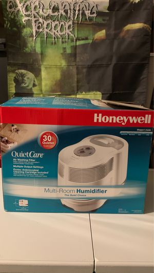 Honeywell multi-room humidifier quiet care with extras for Sale in Chesapeake, VA