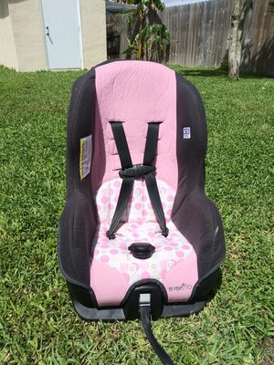 Convertible Carseat for girl... for Sale in Cutler Bay, FL