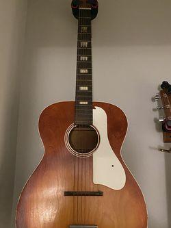 Vintage Silvertone Guitar for Sale in Gallatin,  TN