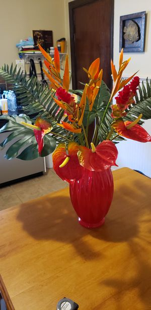 Fancy large tropical flowers arrangement with vase for Sale in Cambridge, MA