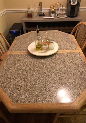 Kitchen table / chairs for Sale in Tampa, FL