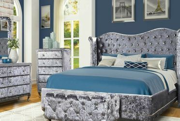FREE Local Curbside Delivery Grey Velvet Queen-size 4-Piece Bedroom Set for Sale in University Park,  MD