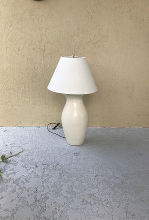 Lamp for Sale in Pembroke Pines, FL