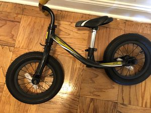 Giant PRE push bike (for kids) black and yellow (very good condition) for Sale in Staten Island, NY