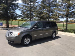 2010 Chrysler town & country for Sale in Brentwood, CA