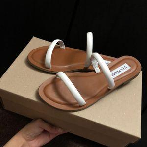 Sandalias para jovencitas 💎 6 for Sale in Los Angeles, CA