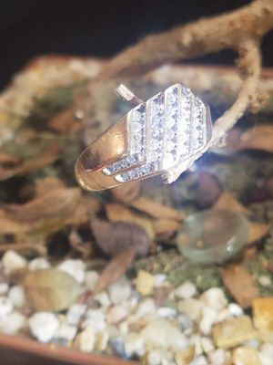 10K REAL GOLD & DIAMONDS RING for Sale in Springfield, MA