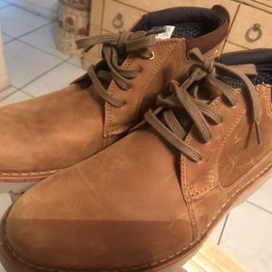 CLARKS Low Cut Boots Size 10 for Sale in Fort Lauderdale, FL