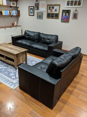 Couch and Loveseat set for Sale in Kent, WA