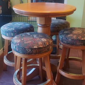 Breakfast Table for Sale in Clermont, FL