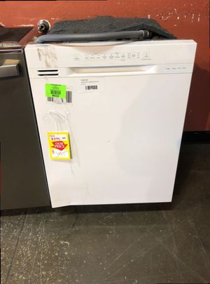White Samsung Front Control Dishwasher 3Y for Sale in Riverside, CA