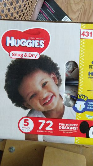 Huggies snug & dry size 5 for Sale in Tacoma, WA