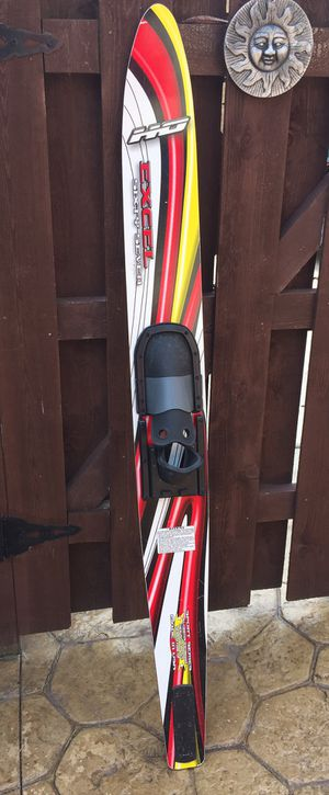 WATER SKI- USED AS DECOR, BUT REAL SKI for Sale in Palos Hills, IL