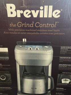 Breville coffee maker with grinder for Sale in North Las Vegas,  NV