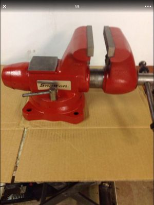 Snap On Vise / 6 inch Jaws / Pipe Jaws / Swivel Base / Made in USA Vice / Beautiful Shape for Sale in Covington, WA