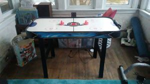 Air Hockey Table w/ scoreboard for Sale in Collingswood, NJ