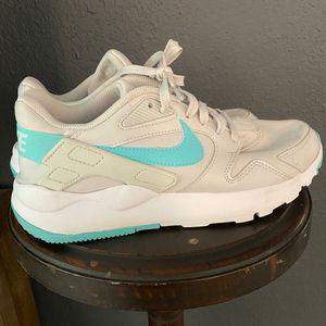 Nike LD victory running shoes* women's 9.5 for Sale in Spokane, WA