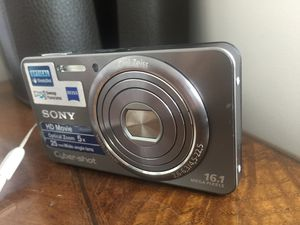 SONY CyberShot 16.1 Megapixel Slim Camera | Excellent Condition for Sale in Derwood, MD