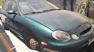 Ford taurus 1999 for Sale in Los Angeles, CA