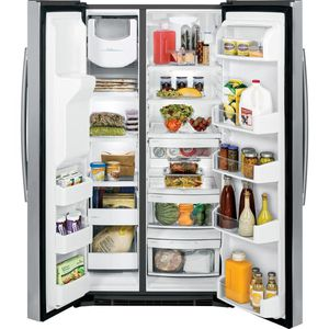 GE® 25.0 Cu. Ft. Stainless Side-By-Side Refrigerator with Dispenser Retail: $1,250 SAVE: $700!! Fridge Freezer GSH25JSTESS Excellent Condition for Sale in Sugar Land, TX