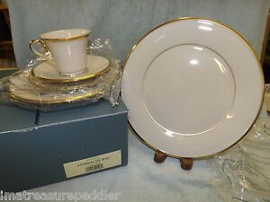 Lenox Eternal Dimension - Lenox Holiday Dimension - Noritake Fitzgerald NEW / MINT LOT Over 100 pieces of China ! for Sale in Lutz, FL