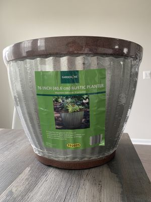 Planter 16 inches- Unopened -unused planter for sale!! for Sale in VA, US