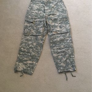 US Army ACU Combat Trousers Size Large X- Short for Sale in Snohomish, WA