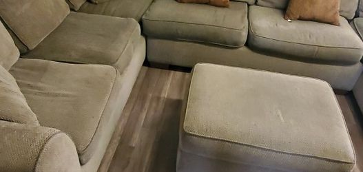 Sectional Couch for Sale in Kent,  WA