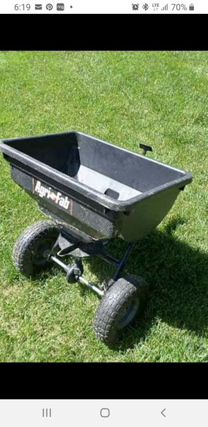 Fertilizer spreader for Sale in Lansing, IL