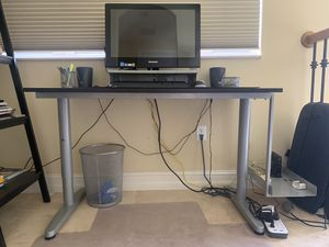 IKEA complete office setup (desk, side table, 2 bookcases, and ergonomic chair) for Sale in Miami, FL
