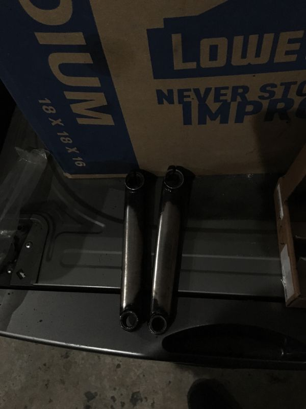 Bmx premium 3-piece crank arms, very good condition took very good care of them i just bought new ones and happened to have these. i am willing to me