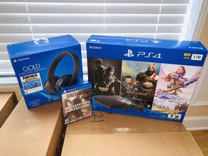 BRAND NEW IN BOX PS4 SUPER BUNDLE! for Sale in Plantation, FL