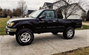 Truck has a clean with no accidents TOYOTA TACOMA 2001 for Sale in Macon, GA