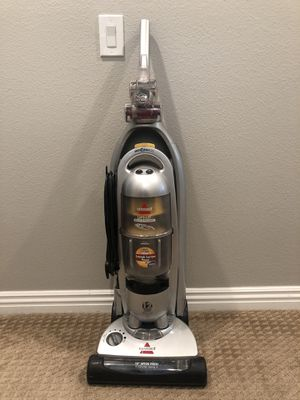 Vacuum, Bissell, Multi Cyclonic for Sale in Murrieta, CA