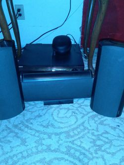 Onkyo SKF= 610F Left, Right 100 Watts, Center 40 Watts (SOUNDS GREAT) for Sale in St. Louis,  MO