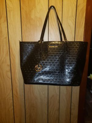 Michael kors travel bag for Sale in Victoria, TX