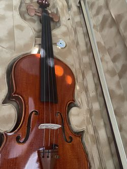 Beautiful 3/4 Violin Brand New In Case for Sale in Garden Grove,  CA