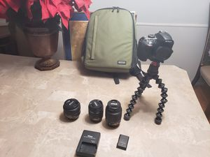 Nikon D3400 DSLR w/ lenses and a backpack shutter count is only 3k for Sale in Southfield, MI