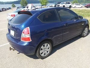 2010 Hyundai accent hatchback for Sale in Covington, KY