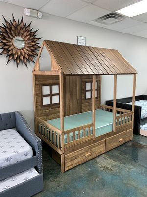 "SOLID WOOD ""Front Porch"" mini house style TWIN bunk bed for Sale in Charlotte, NC"